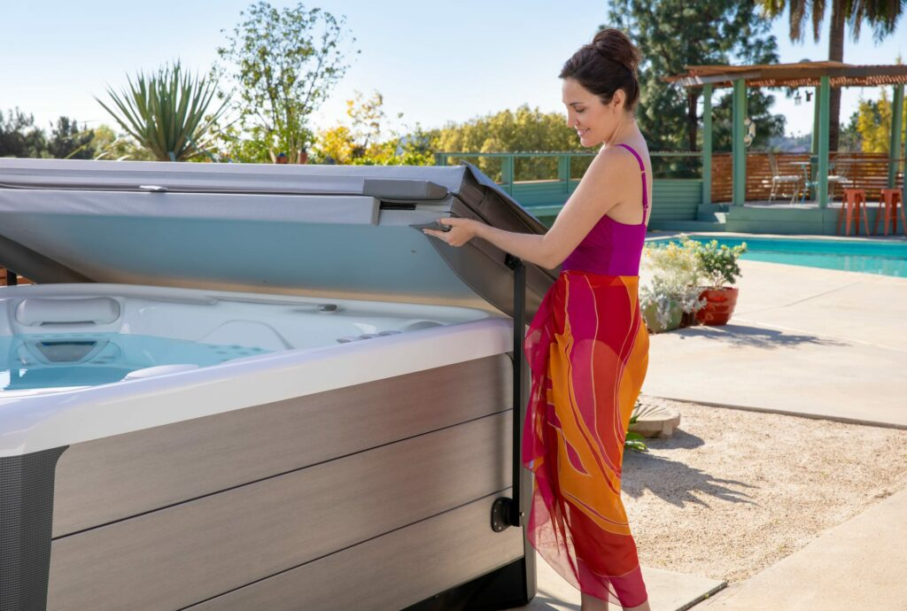 Hot Spring Spas Vanguard Hot Tub Coverlifter in Los Angeles