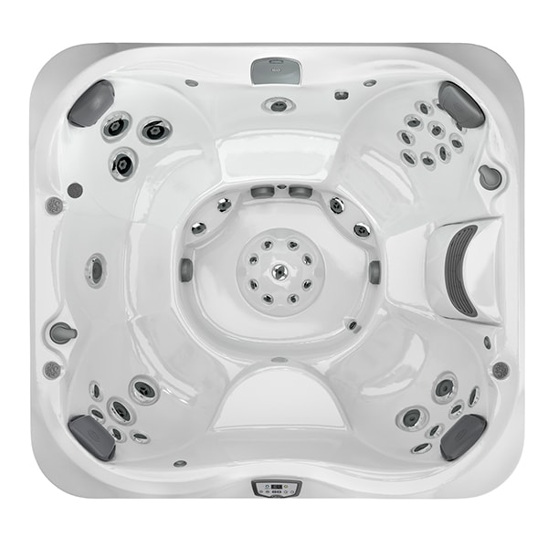 J-365 Hot Tub at Lifestyle Outdoor in Los Angeles, California