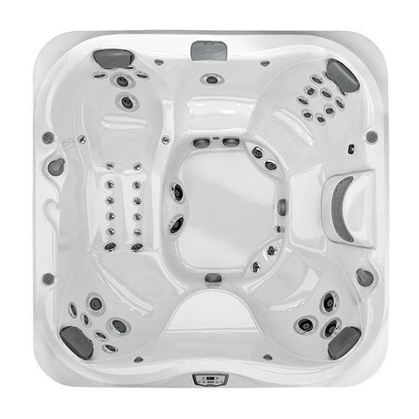 J-375 Hot Tub at Lifestyle Outdoor in Los Angeles, California