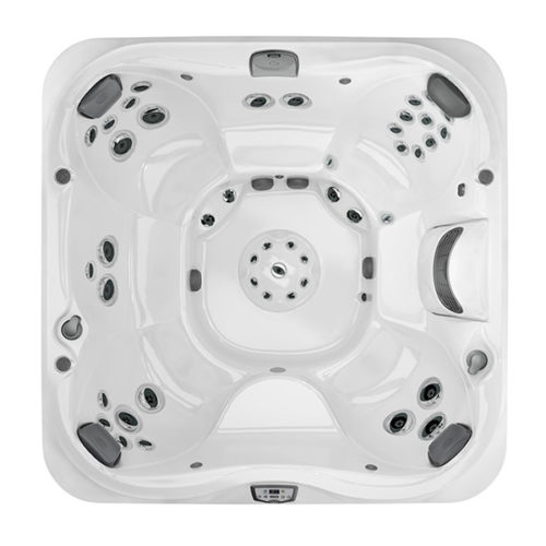 J-385 Hot Tub at Lifestyle Outdoor in Los Angeles, California