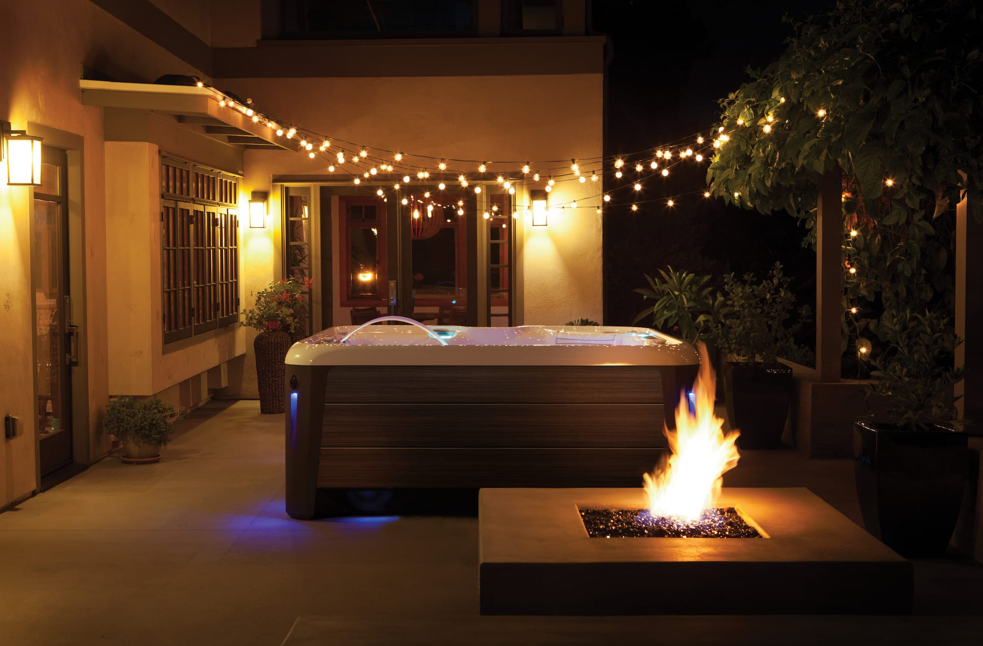 Hot Spring Spas Aria Hot Tub at Lifestyle Outdoor in Los Angeles, California