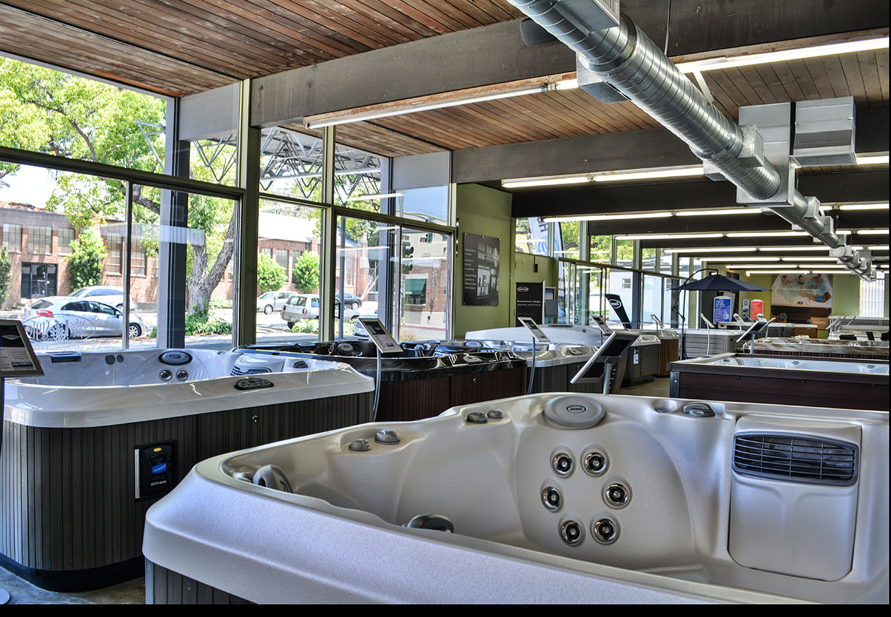 hot tubs on display in Lifestyle Outdoor Pasadena showroom in Los Angeles