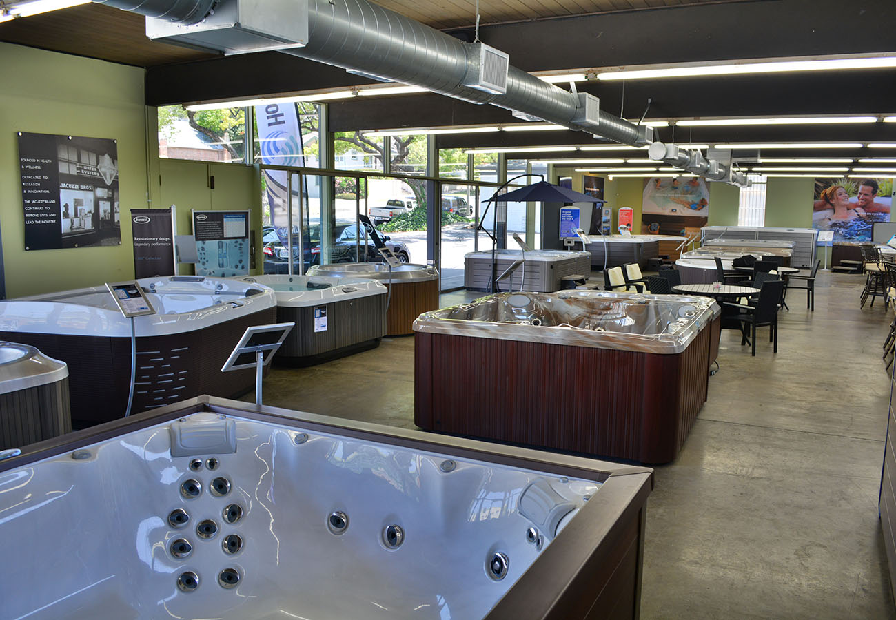 hot tubs and outdoor patio furniture in Lifestyle Outdoor Pasadena showroom in Los Angeles