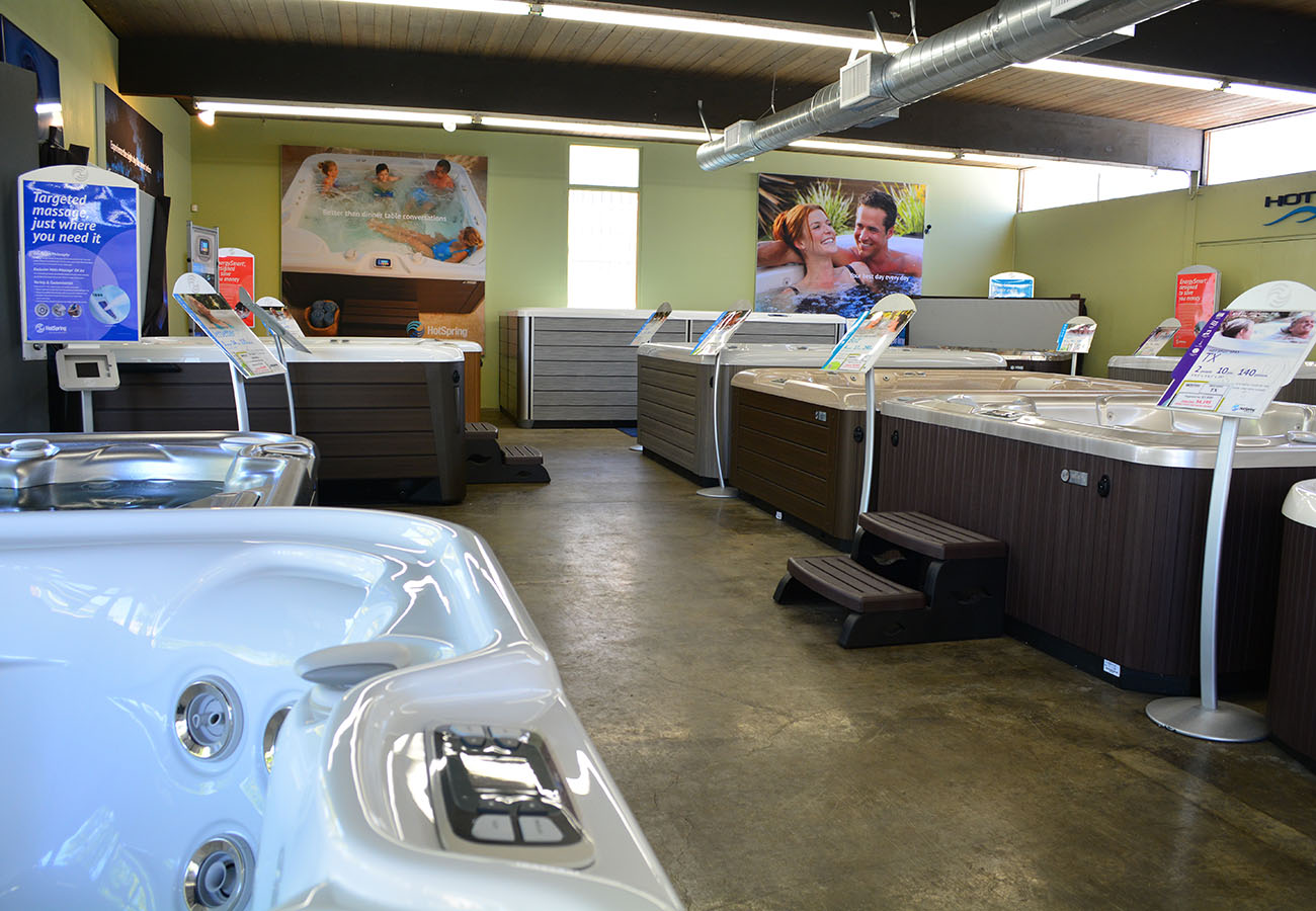hot tubs and swim spas in Lifestyle Outdoor Pasadena showroom in Los Angeles