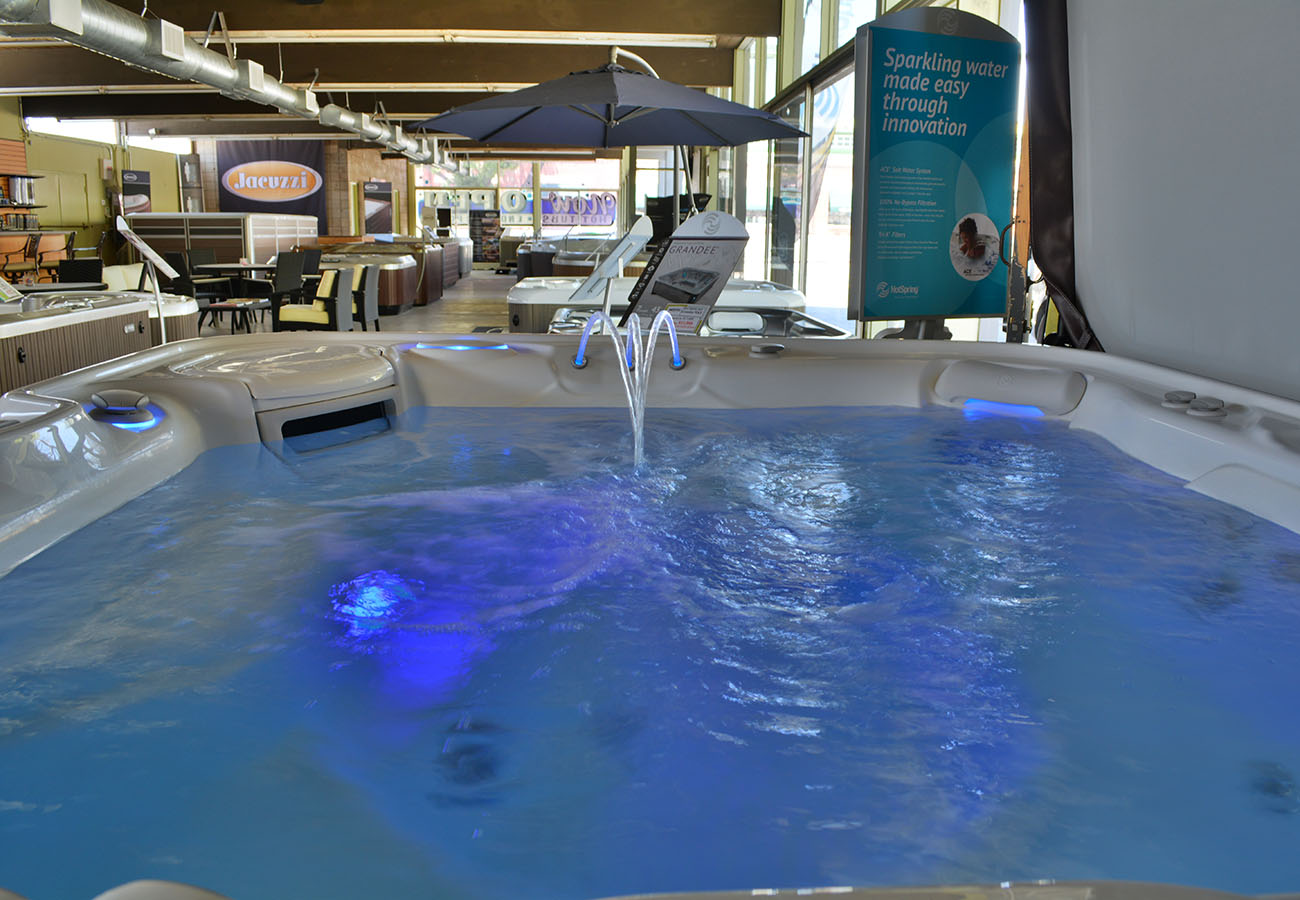 hot tub with light feature in Lifestyle Outdoor Pasadena showroom in Los Angeles