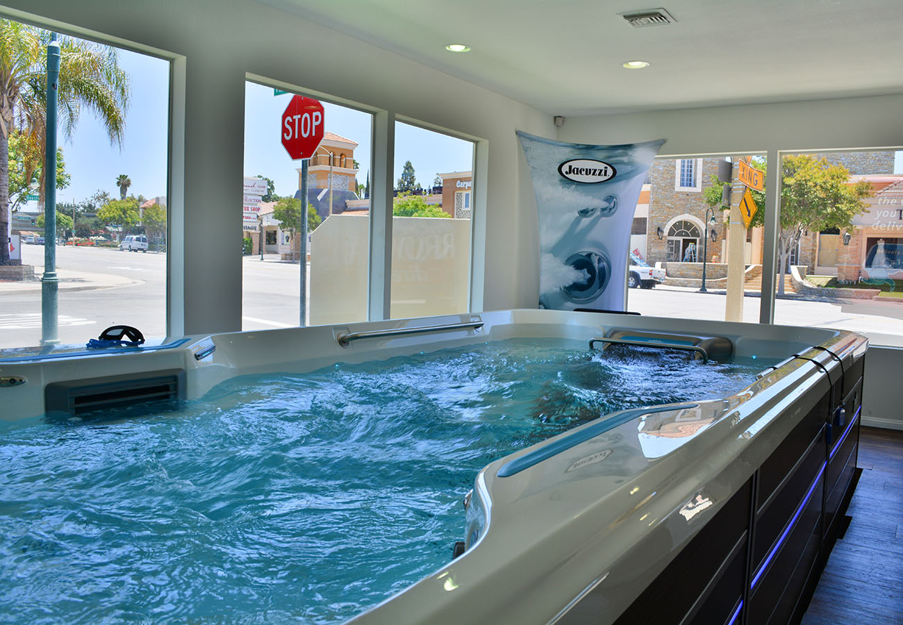 Lifestyle Outdoor Thousand Oaks in Los Angeles showroom with endless pool swim spa