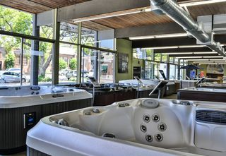 Lifestyle Outdoor Showroom in Pasadena